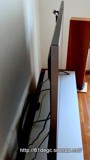 液晶テレビの厚さ